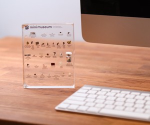 Hans Fex designed a Mini Museum for desk
