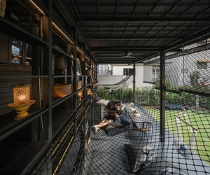 Integrated Field Designs Kloem Hostel in Bangkok