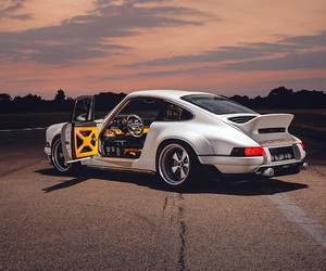 Singer Vehicle Design's 1990 Porsche 911