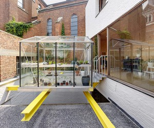 dmvA Adds Floating Greenhouse In Belgium Townhouse
