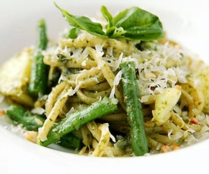 Pesto Linguine with Green Beans & Artichoke Hearts