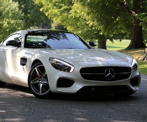 Checking Out The New 2016 Mercedes-AMG GT S