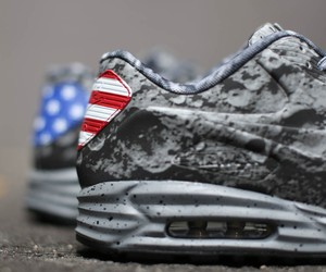 Nike Air Max Lunar90 SP 'Moon Landing'