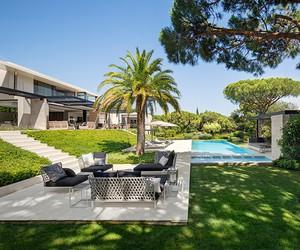 St Tropez Residence by SAOTA