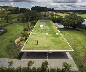 Planar House In Brazil By Studio MK27