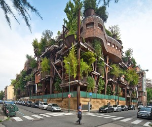 Luciano Pia's Air&Noise Pullution-Proof TreeHouse