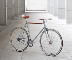 2-Speed City Bike by Instrmnt + Freddie Grubb