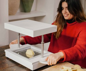 FormBox, the world's first tabletop factory