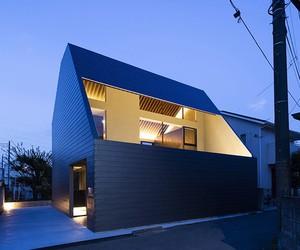 Cover House / Apollo Architects & Associates