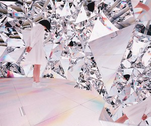 Prismverse Installation by XEX for Dr.Jart+