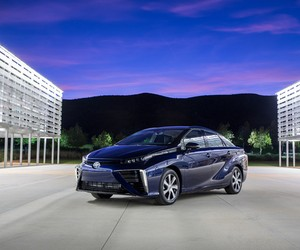 2016 Toyota Mirai Hydrogen Fuel Cell Sedan