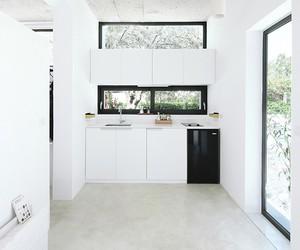 Monocabin / Mandalaki Design Studio
