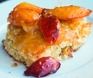 Grilled Peach-Amaretto Skillet Cakes