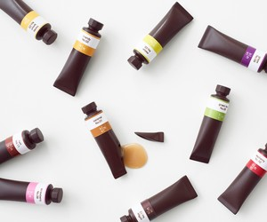 Nendo designs Chocolates like a set of Oil Paints