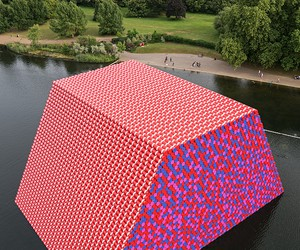 Christo's Floating Sculpture In London's Hyde Park