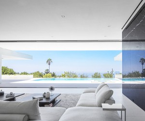 Mirror House in Beverly Hills by XTEN Architecture