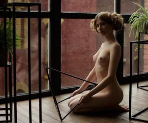 Alina Panevskaya by Damp Zergut