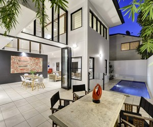 Contemporary House in New Farm by Arkhefield