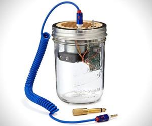Recycled Mason Jar Speaker