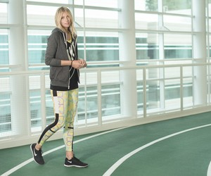 MARIA SHARAPOVA WEARING AZTEC ALIBI NIKE TIGHT