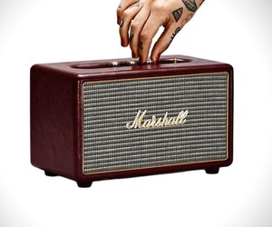 Marshall Oxblood Wireless Speaker