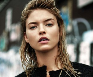 Martha Hunt in L'Officiel Mexico