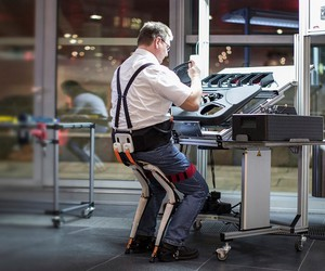 Noonee Chairless Chair Reduces Physical Strain at