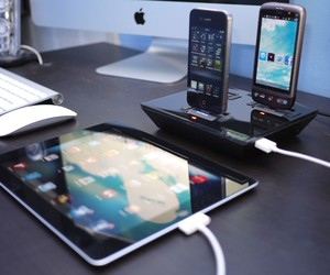 IDAPT i4 Review – Multi Device Charging Dock