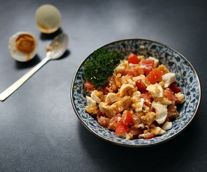 Salted Duck Eggs and Tomato Salad
