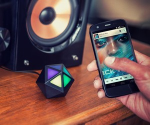 Motorola Moto Stream Turns Any Speaker Wireless