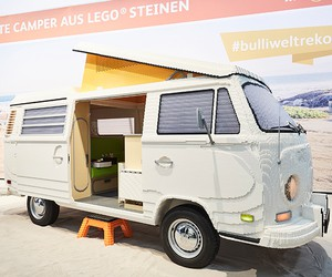 Volkswagen T2 Bulli Made Of 400,000 Lego Bricks