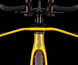 A triathlon bike from the designer workshop
