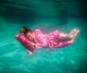 Under water Photography by Jordan Matter
