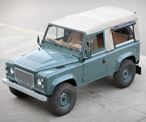 Land Rover Defender D90 Keswick Green