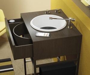 Listen, listen: vinyl in the bathroom
