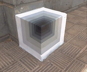 E1000 paints optical illusions in the urban space