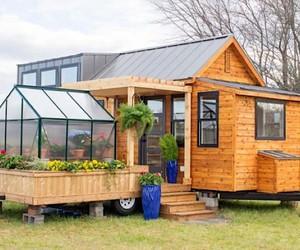 The Tiny House The Elsa has a mobile garden