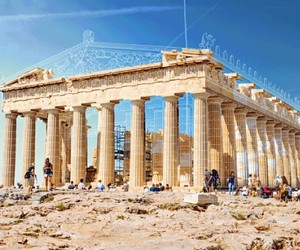 Ancient buildings are restored before your eyes
