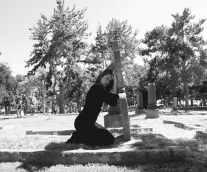 "Ayla El-Moussa ""Grave Experience"""