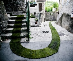 The Green Carpet – In Jaujac, France (6 Pictures)