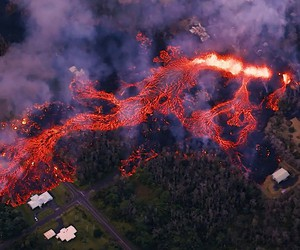"""MICK KALBER AND """"PARADISE HELICOPTERS"""" OVER LAVA"""