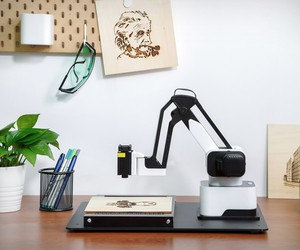 Hexbot Desktop Robotic Arm