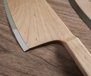 Gorgeous Maple Knives Add Some Warmth to Your Kitc