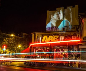 "Julien Nonnon ""French Kiss"" digital art in Paris"