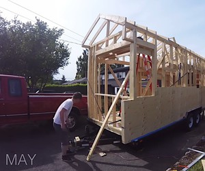 Timelapse of building a tiny house