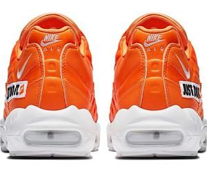 Air Max 95 in orange