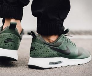 Nike Max Tavas Carbon Green