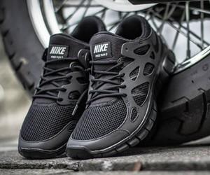 "Nike Free Run 2 ""Triple Black"""
