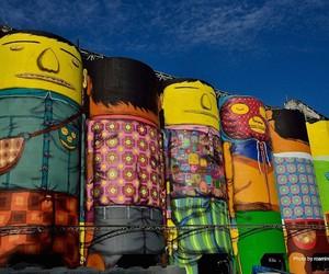 Streetart: Os Gemeos transforming Industrial Silos