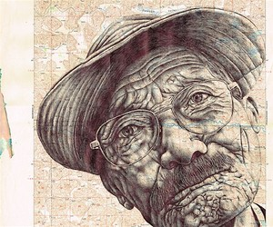 GORGEOUS PORTRAITS ON VINTAGE MAPS CREATE NEW WORL